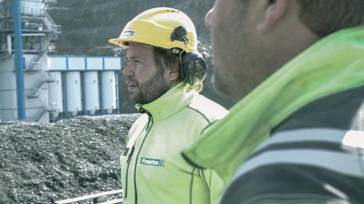 Per Erik Holm fra Nordic Bulk og Thomas Thorgård i anleggsområdet på Lia