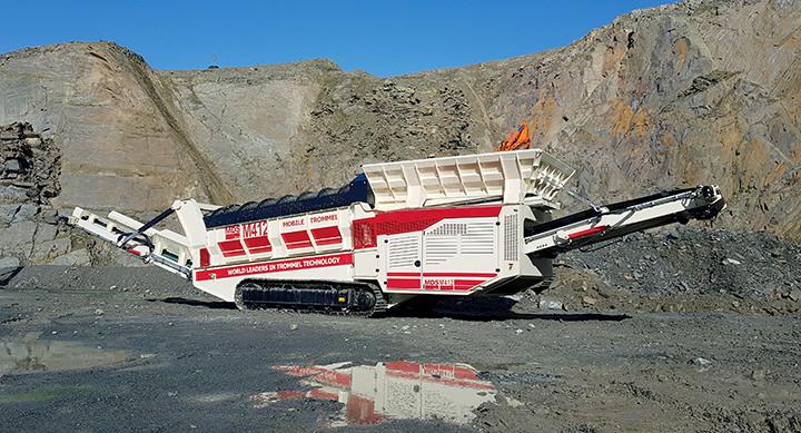 MDS 412 leverer to fraksjoner. 300 tonn i timen.